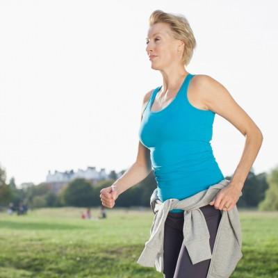 menopoz-doneminde-ostrojen-hormonunun-bitmesi-sagliginizi-nasil-etkiliyor